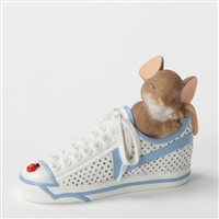 Mouse Dreaming in Sneaker - Charming Tails Figurine, 4033018