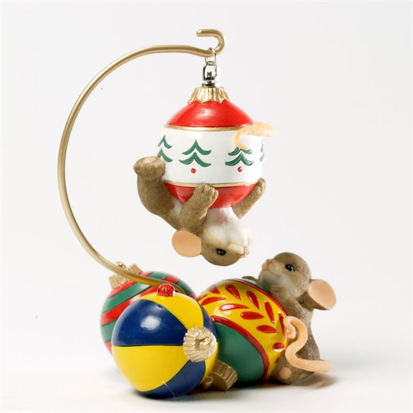 Mice Playing on Christmas Ornaments - Charming Tails ...