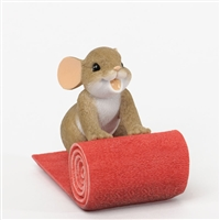 Red Carpet Mouse - Charming Tails Figurine, 4035612