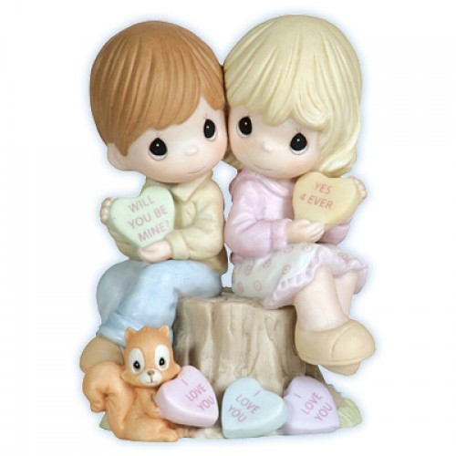 Valentines Day Couple Precious Moments Figurine 113046