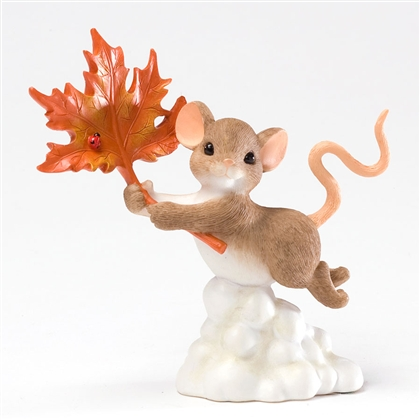 Charming Tails 'Mouse Flying with Autumn Leaf' 4027684