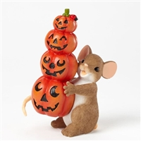 Charming Tails Mouse balancing four smiling pumpkins figurines