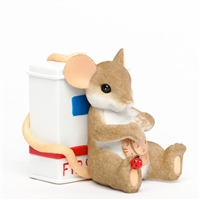 First Aid Mouse - Charming Tails Figurine, 4035611