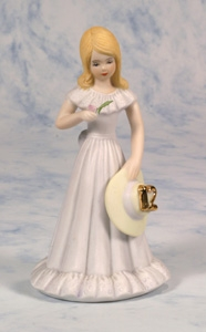 Age 12, Blonde - Growing Up Girls Figurine, E2312