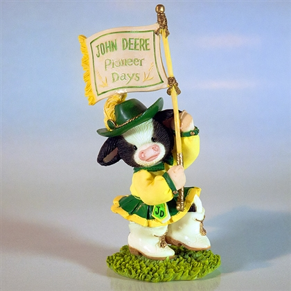 Mary's Moo Moos John Deere Color Guard Figurine 102383