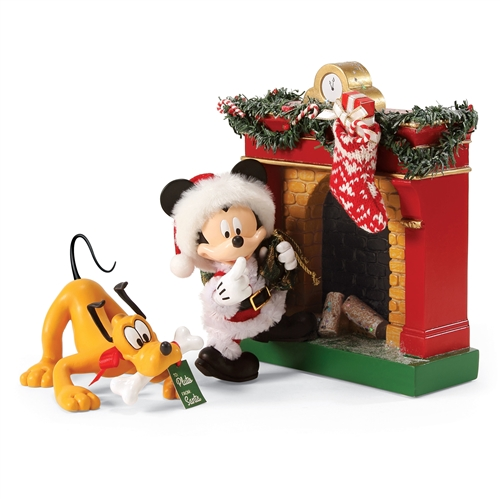 Possible Dreams Mickey Mouse as Santa with Pluto and Fireplace Figurine Set, 4057028