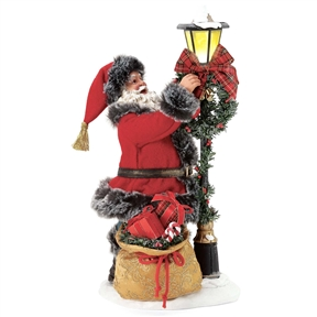 Possible Dreams 'Festive Flair' Santa with Lampost, 6005279