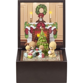 Precious Moments Heirloom Family Christmas Lighted Music Box